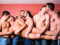 Brandon Wilde doesn't know that car troubles will be the catalyst for the just about everyone exciting raunchy adventure of his life. After being stranded on the side of the road in the middle of winter, Brandon is given the run around by road side assis mature gay fuck
