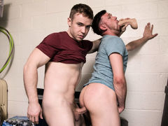 Warehouse Packin mature gay fuck